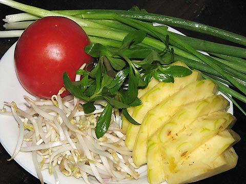 Dứa và các loại rau cho món canh mực