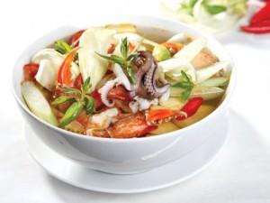 Món canh chua hải sản ngon tuyệt