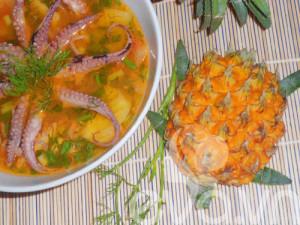 Bát canh bạch tuộc nấu dứa hấp dẫn khó chối từ