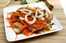 Món ăn Thái gỏi mực Thái cay