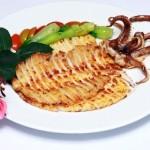 Độc đáo mực nướng sa tế kiểu Hàn.