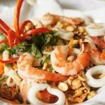 Tuyệt chiêu làm món gỏi tôm mực kiểu Thái