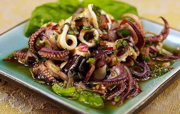Salad mực chế biến cực đơn giản
