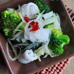 Hướng dẫn làm món mực trộn bông cải ngon tuyệt