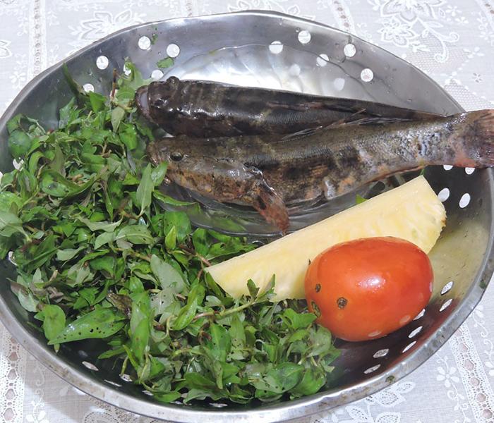 Nguyên liệu cần chuẩn bị cho món canh cá bớp nấu lá lốt (Ảnh minh họa)