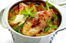 Canh cá tầm nấu măng chua thơm ngon, bổ dưỡng