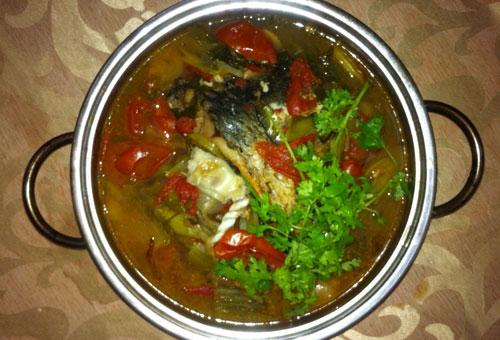 Cách nấu đầu cá vược dưa chua