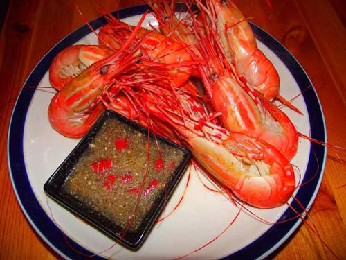 Tôm hấp Hạ Long- hải sản tươi ngon vùng biển