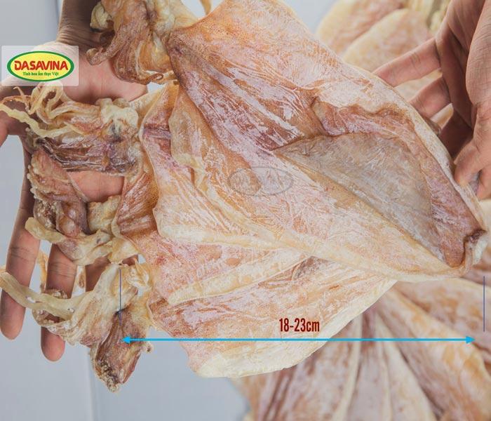 Những con mực khô dày thịt chất lượng